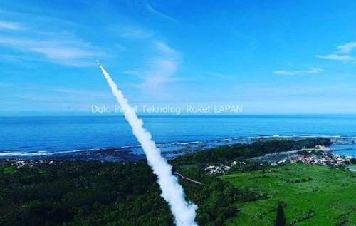 Akhirnya Indonesia Berhasil Meluncurkan Roket Terbesar Buatan Sendiri, di Garut
