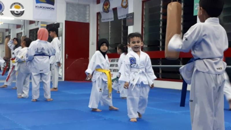 Sertai Kelas Taekwondo, Adik Wazif Sangat Teruja !