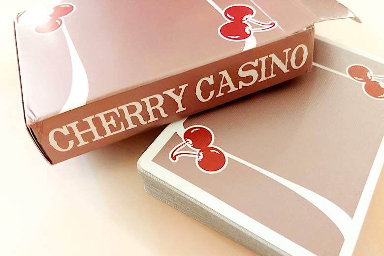 SYNCSPIKE Cherry Casino Flamingo Quartz Pink Playing Cards /& Clear Protective Playing Cards Case