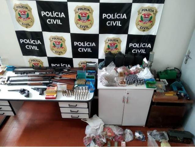 Polícia Civil prende em flagrante suspeito de comercializar armas de fogo e munição no Vale do Ribeira