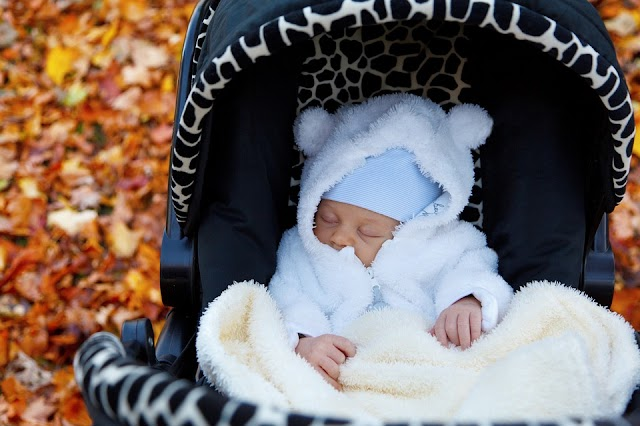 Bayi Baru Lahir Meninggal, Wajibkah Memandikan dan Menyalatinya?