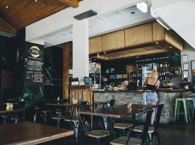 バブル・バー・アンド・カフェ(Babble Bar & Cafe)