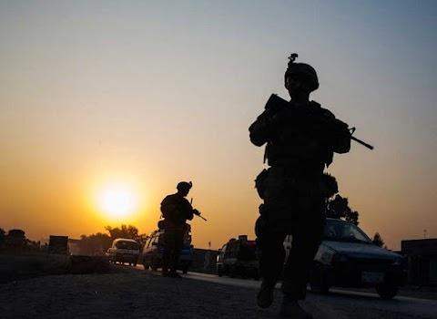 Az afganisztáni béke lehetőségeiről tárgyalt Trump és a pakisztáni kormányfő a Fehér Házban