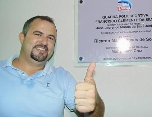 Ex-prefeito de Ribeira do Pombal celebra aprovação de contas pelo TCM-BA