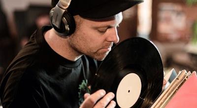 """Lirik Lagu DJ Shadow - Nobody Speak"""