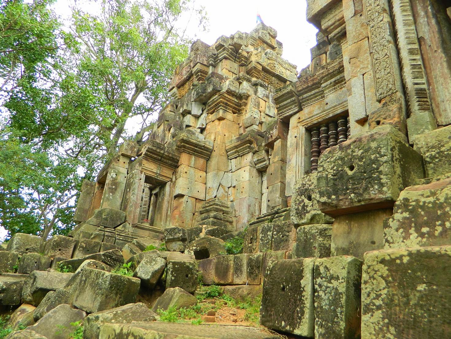 11th-century ruins at Wat Ek Phnom
