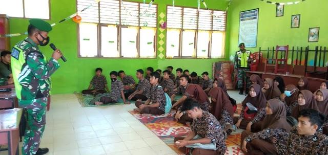 Sosialisasi Penerimaan Tamtama PK TNI AD di SMAN 1 Sungai Beremas