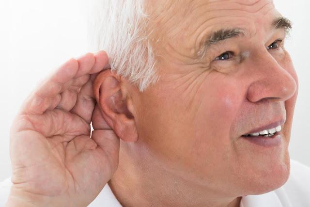 Usia Tua Sering Alami Gangguan Pendengaran