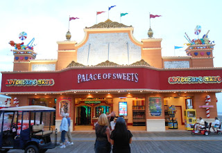 Palace of Sweets - Mirror Maze in Wildwood New Jersey