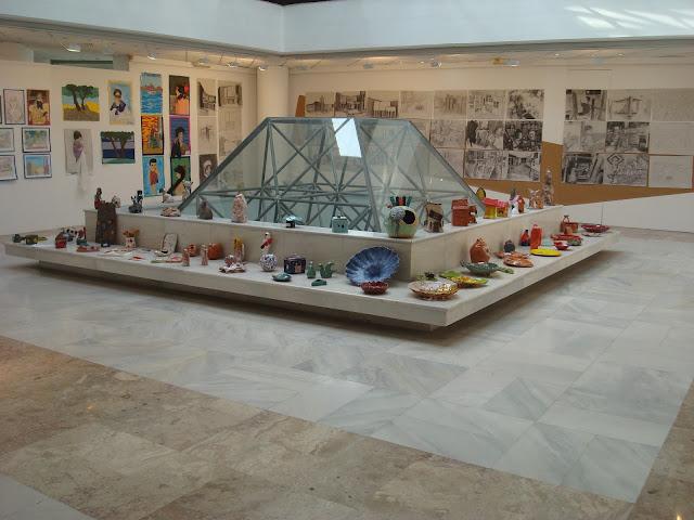 """Εγκαίνια της παιδικής έκθεσης """"Το ταξίδι των χρωμάτων"""" στη Δημοτική Πινακοθήκη Λάρισας"""