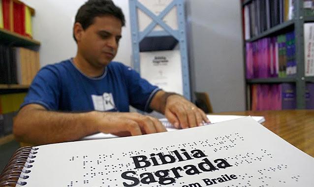 Sociedade Bíblica vai doar mais de 2 mil Bíblias em braile para cegos