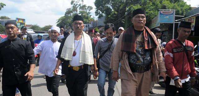 Garda Aswaja Ancam Bubarkan Acara Zakir Naik Di Bekasi, Damin Sada: Berani Bubarin Hadapi Gua!