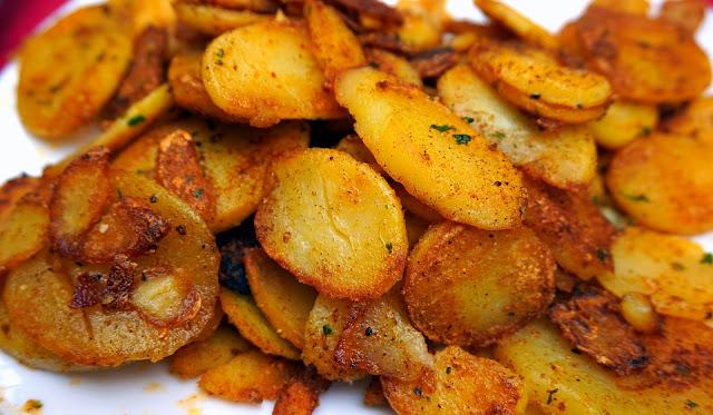 Bratkartoffeln – Khoai tây áp chảo