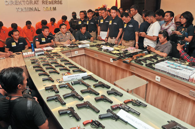 Warga Boleh Pakai Pistol, Netizen: Jangan Ngawur, Mau seperti Amerika?