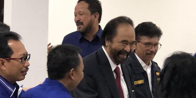 Jokowi Sapa Surya Paloh: Wajahnya Cerah Setelah Rangkul Presiden PKS