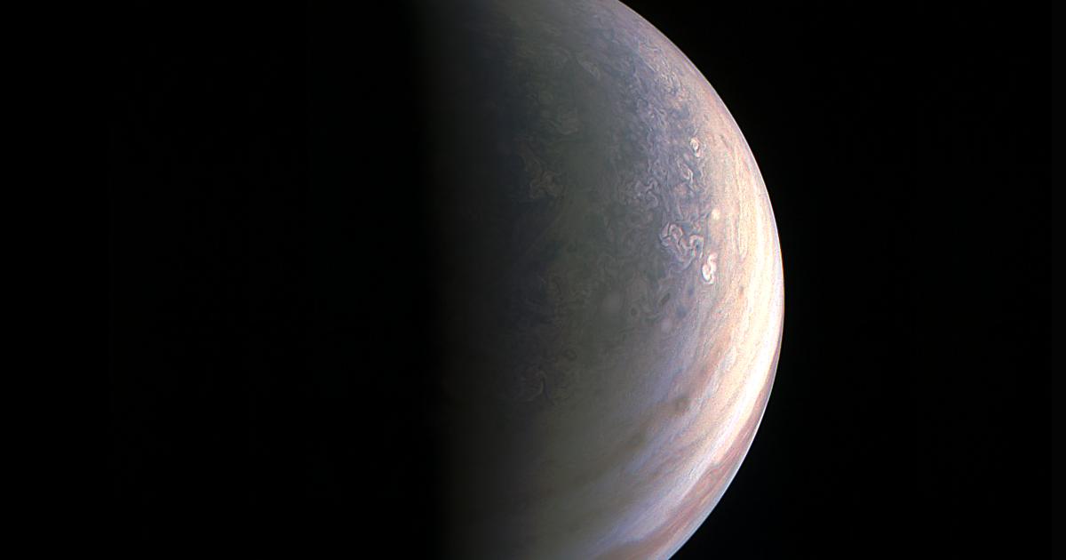Juno, le prime fantastiche foto di Giove, mai viste prima d'ora
