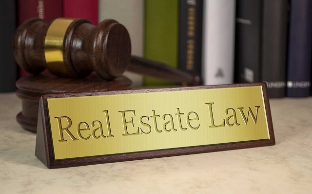 benefits using real estate attorney broker's license lawyer