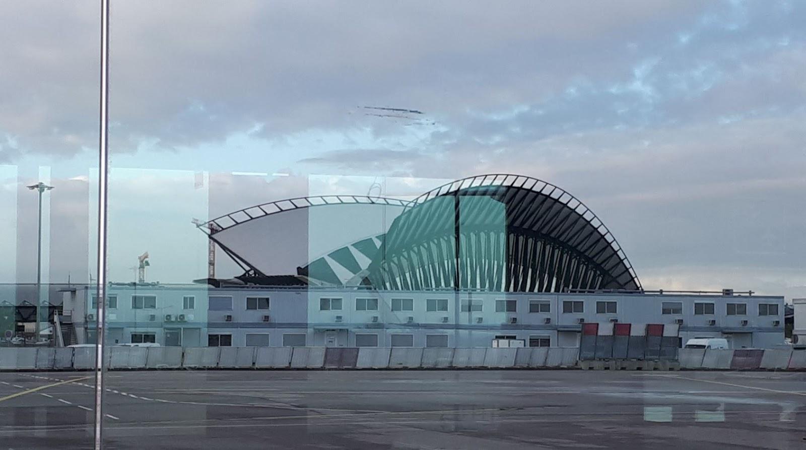 Terminal 2 de l'aéroport de Lyon