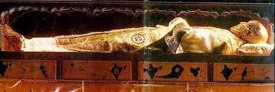 गोवा के बोम जीसस चर्च में 460 सालों से जीवित है एक मृत शरीर - goa church dead body Story in Hindi Basilica of Bom Jesus Goa & St Francis Xavier ||