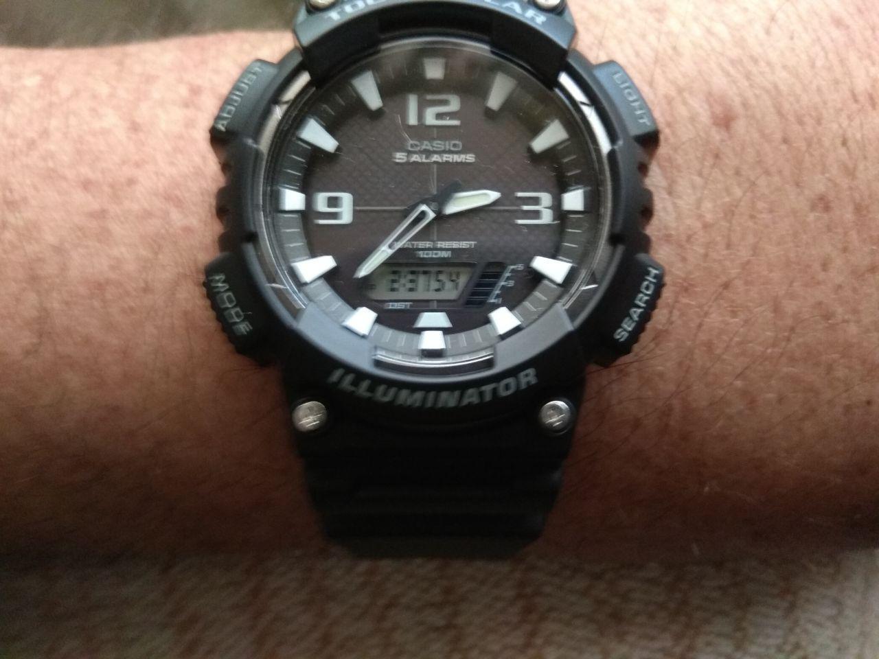7086133251c7 Casio AEQ-200W. No quería meter con calzador en el artículo este reloj  aunque es parecido a los otros tres en lo de Ana-Digi y en la forma de la  caja y ...