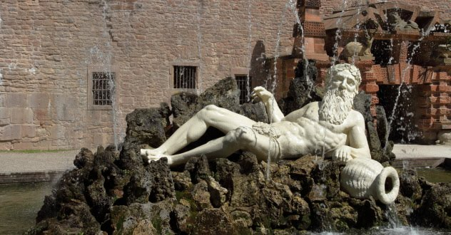 Fountain Statue at Heidelberg Castle