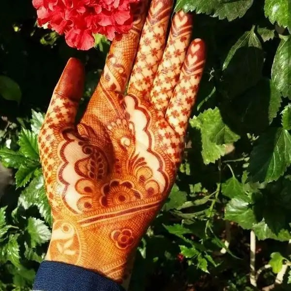 Cute_flowers_mehndi_design_for_indian