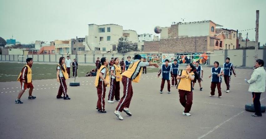 ¿Solo se debe hacer deporte en el área de Educación Física? - www.perueduca.pe