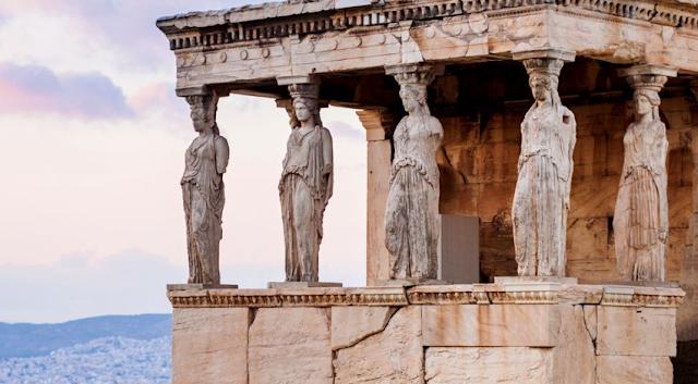 """Ελλάδα, μια """"χαλασμένη"""" χώρα με πολιτικό σύστημα… από το κάτω ράφι"""