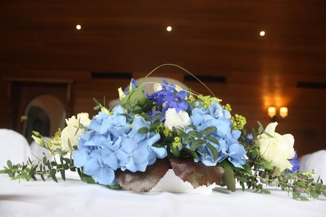 Großes Kino - Trauung im Kaminzimmer mit Seeblick - Hochzeit im Riessersee Hotel Garmisch-Partenkirchen, Bayern - Wedding in Garmisch, Bavaria  #riessersee #hochzeitshotel #Garmisch #Bavaria #Bayern #heiraten #Hochzeit #Kino-Motto #wedding venue #abroad