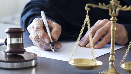 juiz escreve receita advogado conciso direito