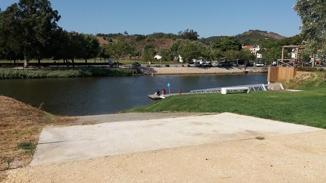 Zona da Praia Fluvial para ir a banhos no Rio Mira