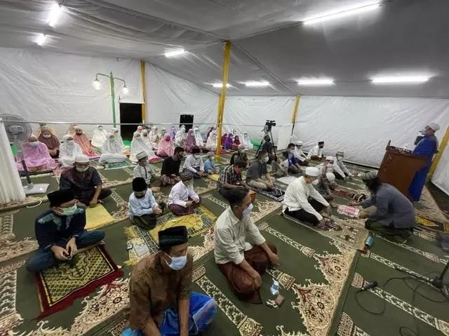 Warga Muslim Perumahan Taman Villa Meruya Dilarang Bangun Masjid, Pengacara HRS: Ironis!