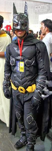 BATMAN COSPLAY COSTUMES IN INDIAN COMIC CON FUNNY PICTURES ...