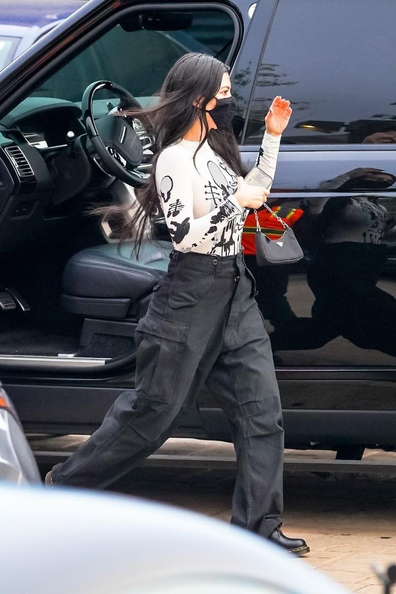 Kourtney Kardashian Out for Dinner at Nobu in Malibu 22 Apr-2021