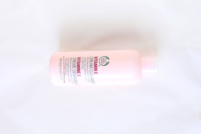 he body shop, The Body Shop Vitamin E Cream Cleanser Review, Makeup remover, Makeup Cleanser, Makeup, Skin Care, Skin Product