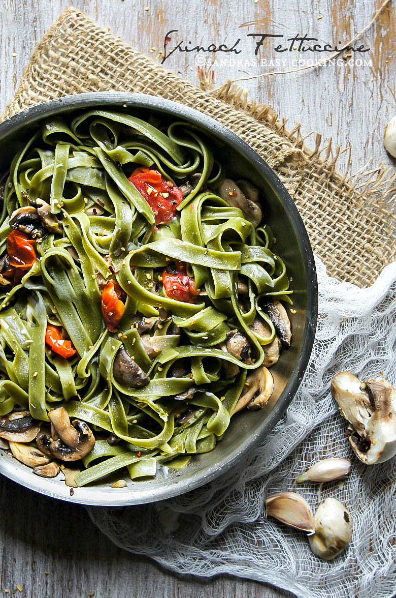 Spinach #Fettuccine with Mushrooms and Cherry Tomatoes #recipe #food @secooking