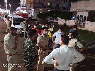 कलेक्टर महोदय के आदेश अनुसार एवं पुलिस प्रशासन के द्वारा जिले में मास्क का किया गया वितरण