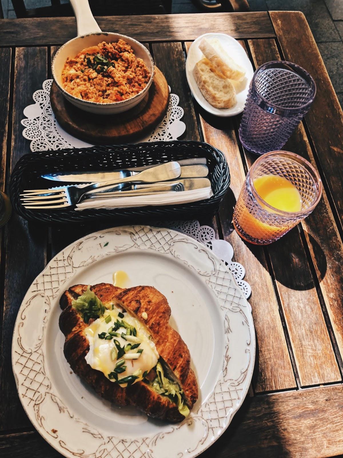 jedzenie restauracje lwów śniadanie