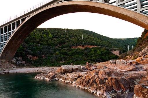 Livorno : verifiche sul ponte di Calignaia per caduta grossi calcinacci