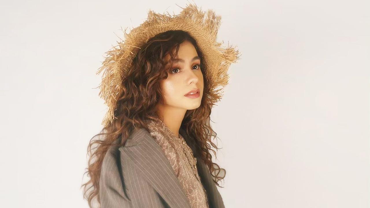 Sahila Hisyam pakai Topi Gembel cantik dan manis