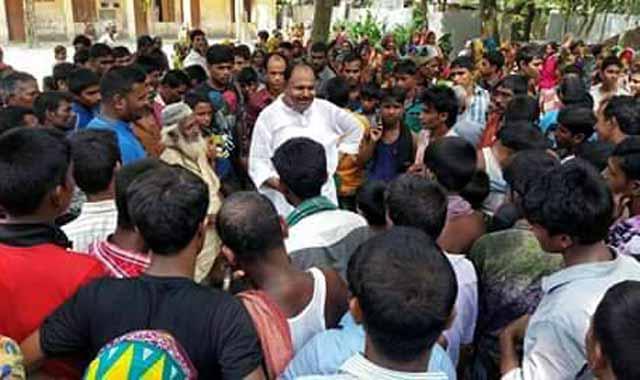 নৌকার গণজোয়ার: রৌমারীতে জাকির হোসেনের প্রচারণা
