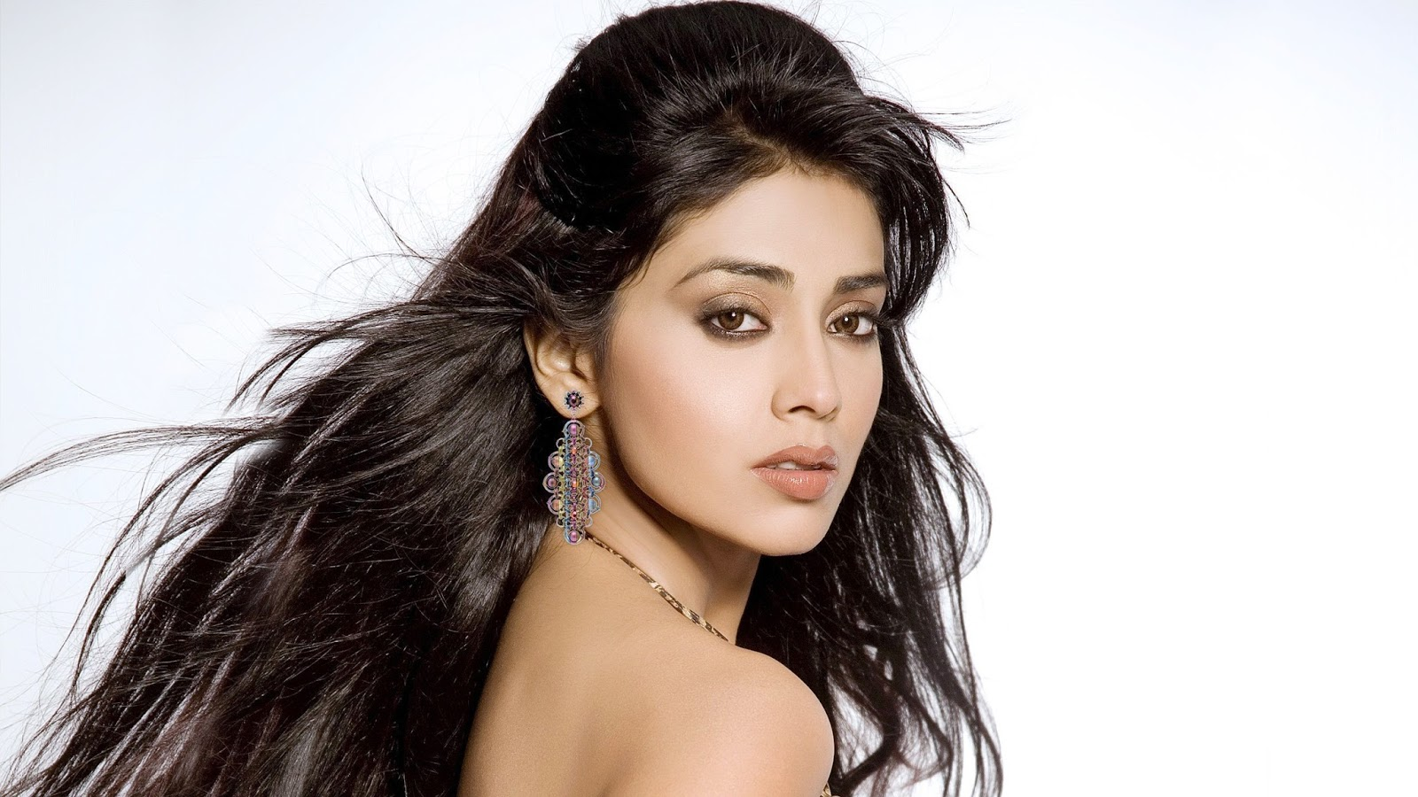shriya saran 26 best hd photos download - indian celebrities hd