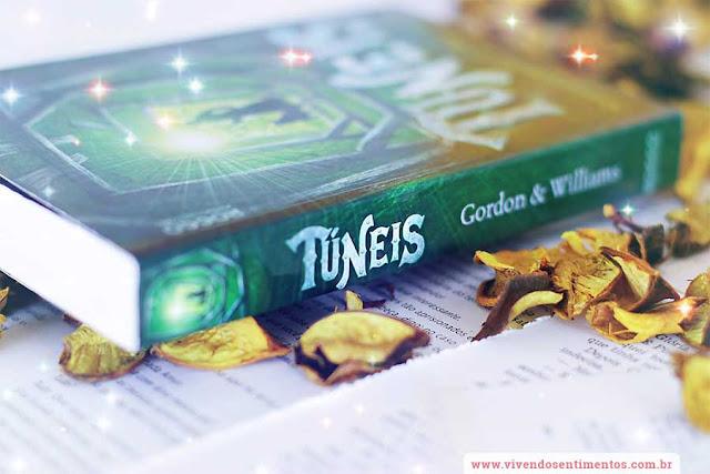 Túneis - Livro 1 - Roderick Gordon e Brian Williams