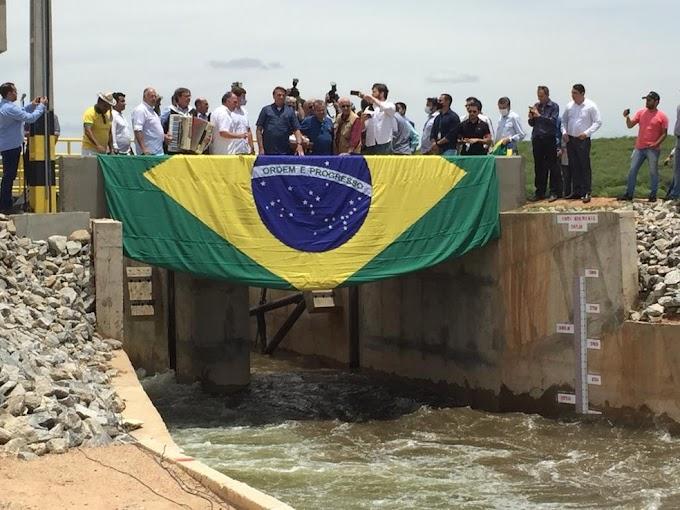 Bolsonaro diz que 'vai haver mudanças, sim, na Petrobras' e critica 'segredo de estado' sobre preço de combustíveis