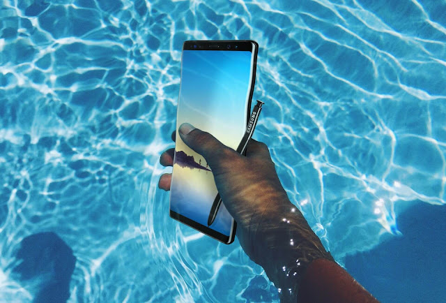 SAMSUNG GALAXY NOTE 8 UNDER WATER