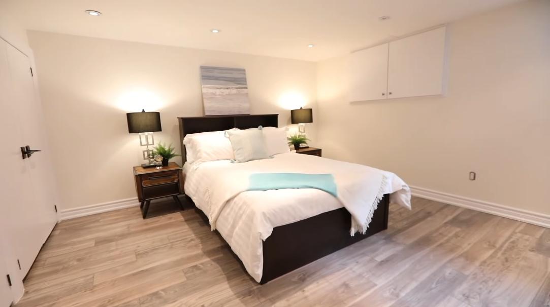 30 Photos vs. 7 Anndale Rd, Toronto, ON Interior Design Home Tour