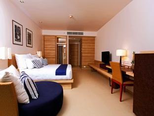 Holiday Inn Mai Khao Beach Family Suite