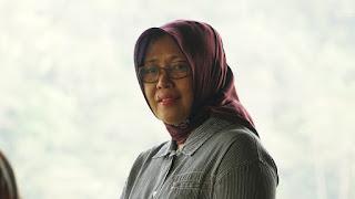 pLT. Kepala Dinas Pariwisata Lombok Barat, Hj. Lale Prayatni.