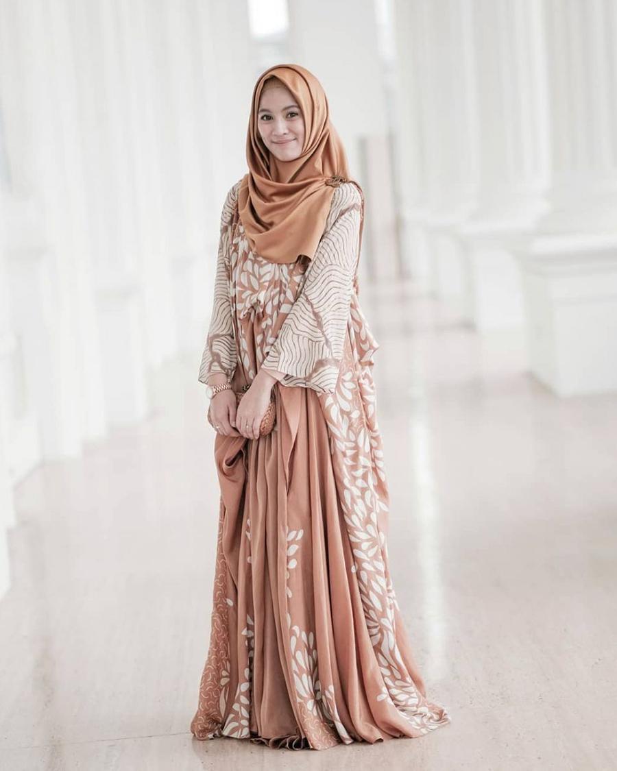 Hijab Syari dan manis Cewek masni dan seksi