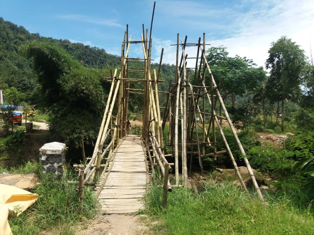 3 Tahun Jembatan Rusak, Petani Cidaun Sebut Jadi Penyebab Harga Hasil Panen Anjlok